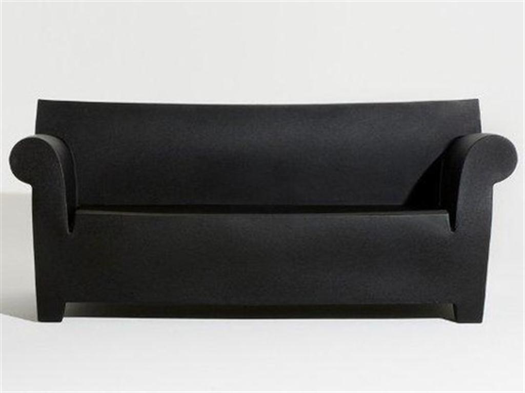 La union entre kartell y philippe starck sofa bubble club for Sofa plastico exterior