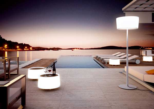 Iluminaci n exterior de dise o by estiluz l mparas for Lamparas de exterior de diseno