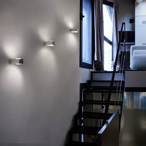 L mparas y apliques zonas de paso l mparas iluminika for Apliques para escaleras de comunidad