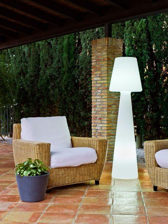 Lola l mparas de dise o new garden l mparas iluminaci n for Lamparas de exterior para terrazas
