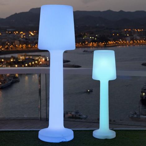 Lámpara de pie Carmen Battery, Newgarden